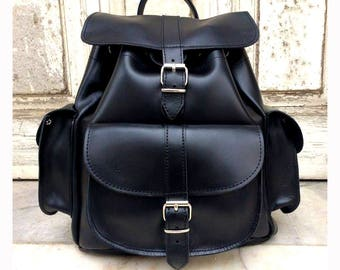 BLACK LEATHER BACKPACK with 3 external pockets 100% Full Grain Leather