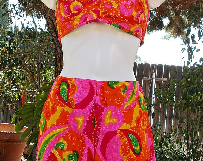 Vintage 50s 60s Bombshell Paradise Hawaii Pink Orange Green Paisley Pinup Womens 2 Piece Halter Playsuit Short Set Swimsuit