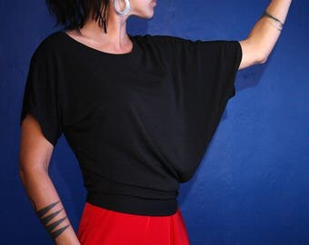 Asymmetrical black elegance