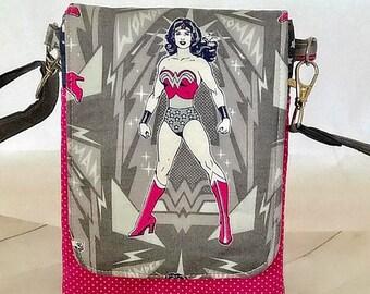 SALE SALE Wonder Woman crossbody bag, cellphone purse, travel bag, mini messenger bag