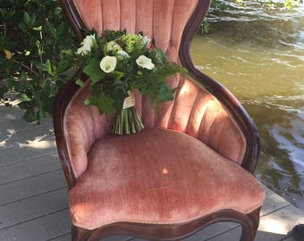 Beautiful pink Victorian style slipper chair