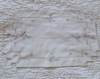 Vintage Hand Embroidered White Cotton Dressing Table Topper - Tray Cloth Country Garden Flowers