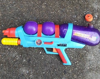 Vtg  Super Soaker xp 110 1997 Water Toy Squirt Gun 90s beach summer sale
