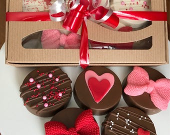 Valentine's Chocolate Covered Oreos Red Pink Bows Hearts Flowers