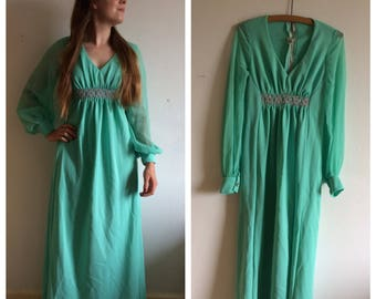 Amazing vintage 70s green/turquoise floaty dress