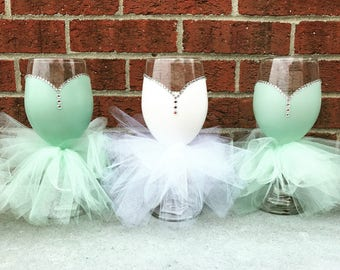 CUSTOM COLOR Bridal Party Wine Glasses -  Bridesmaids Wine Glass Gift - Wine Glass Dress
