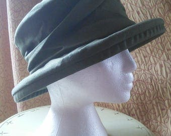Packable cotton sunhat from Heaslip// quality Canadian maker, olive green cotton