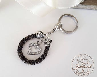 Keychain made of horsehair, with sparkling heart