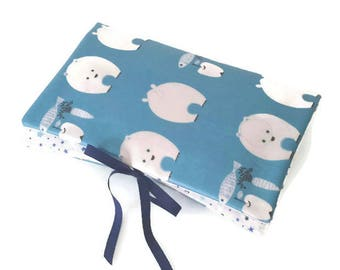 Pouch 1-3: put diapers, protects health record and mini-matelas diaper / blue bear