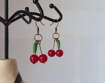 boucles d'oreilles cerises tattoo rockabilly pin up cherries earrings cherry tatouage psychobilly adaptables en clips modèle unique