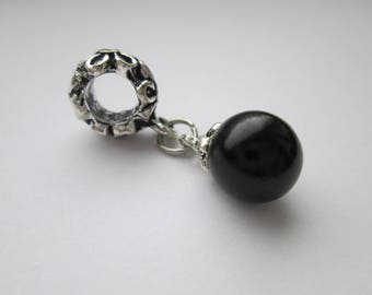 Pearl Black Pendant for chains