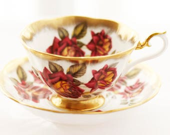 Beautiful  Royal Albert Heavily Goldgilded Teacup And Saucer, Gorgeous Red Roses, Avon-shape, c 1970s