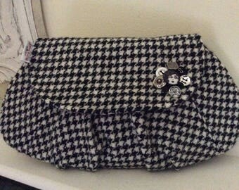 Black and Creamy White Houndstooth Pleated Clutch