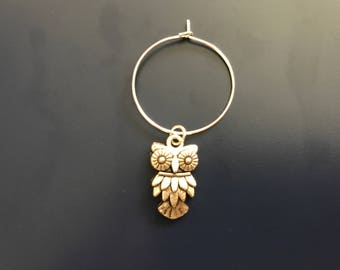 Wine charm with a silver owl charm