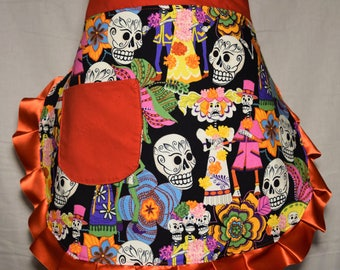 Day of the Dead Vintage Inspired Half Apron/ Dia de los Muertos Half Apron/ Apron/ Vintage Inspired Half Apron
