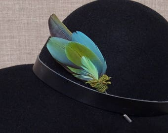 Feather hat pin, parrot feathers brooch, feather lapel pin, gift for parrot lover, hat accessory, festival hat adornment, OOAK - F15