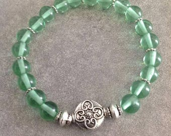Please please good energized Bracelet be water green quartz, silver beads