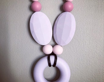 Silicone teething necklace - pink lavender