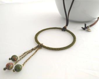 Elegante collar verde con cuentas naturales ágata musgosa