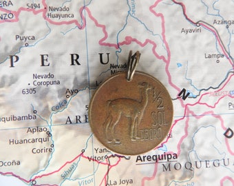 Peru coin necklace/keychain - 4 different designs - made of original coins from Peru - wanderlust - Lima - Lama