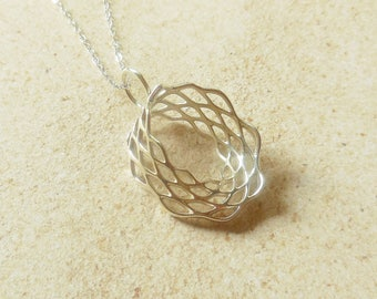 Mobius Mesh - Sterling Silver Pendant Made Using 3D Printing - MADE-TO-ORDER/3D Printed Pendant