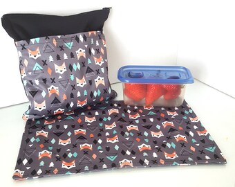 Snack bag with placemat - Foxes + black - waterproof, perfect for school, fits well into the backpack!
