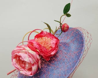 Periwinkle disc with pink flowers