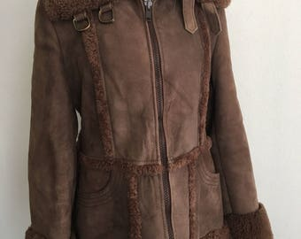Cozy Mid Length Vintage Original Brown Sheepskin And Suede Fur Coat Women's Size Medium.