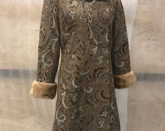 Authentic Long Vintage Grey Cotton Coat With Mink Fur Collar Woman Size Small .
