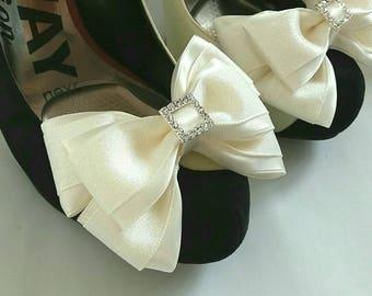 Shoe clips, ribbon shoe bows, wedding, ivory,bridesmaid,diamante, shoe accessory,bridal, satin, sparkly, Uk
