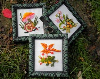 Embroidered Woodland Animals & Flowers Framed Wall Art Set, Vintage Boho Crewel Embroidery - Hostess Holiday Birthday Retro Home Decor Gift