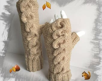 Fingerless gloves women/adults/teens, soft warm and comfortable, light beige wool