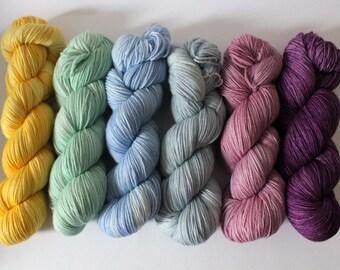 Hand-dyed sock yarn 400 m LL / 100 g Soft Sock - Plum