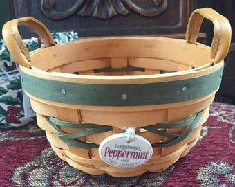 Longaberger peppermint Basket, Like New, very Nice!  With Cloth liner and plastic Liner