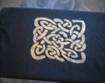 Celtic Knot Cloth