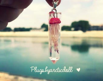 With jellyfish Crystal point necklace
