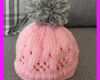 Baby girl 0-3 months woolly hat