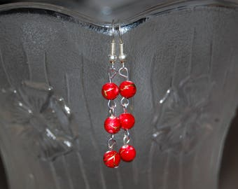 Red earrings, with three 4mm beads