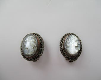 Vintage Clip On Cameo Earrings, Silver and Copper Tone Cameo Earrings, vintage Earrings, Cameo Earrings