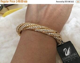 SALE Stunning Vintage Gold Tone Swarovski Crystal Hinged Bracelet Swarovski Bangle Crystal bracelet