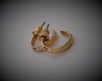 Vintage Children'S Ornate Gold Cuff Earrings - Free Postage