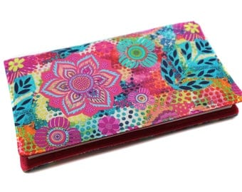 Checkbook holder in colorful fabric