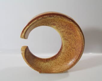 Beautiful c-shaped vase by Bertoncelli, Schiavon, Roberto Rigon, Italian Pottery, Mid Century No. 389