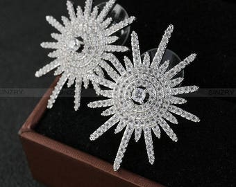 Cubic zircon micro setting sparkling sunflower stud earrings