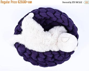 SALE Chunky Cat Bed, Chunky Knit Pet bed, Pet cave, Pet Bedding, Merino Wool Cat bed, arm knit, knit house, Cat cave, Pet house,  by woolexp