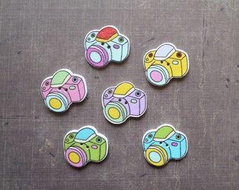 10 buttons wooden camera shape