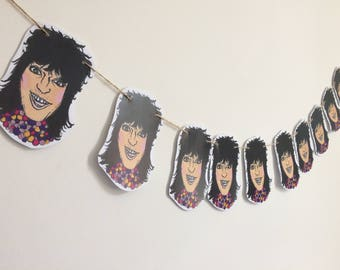 Noel Fielding bunting, perfect gift for mighty boosh fans, pack comes with 10 Noel heads, 2 meters of string and 2 glue dots for hanging