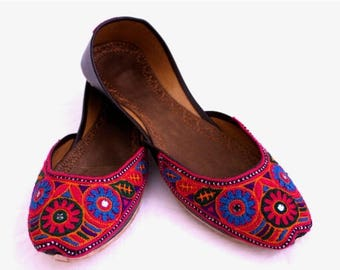 ON SALE New Khussa