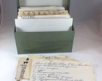 Green Recipe Box, Old Recipes, Recipe Storage, Kitchen Organization, Recipe Card Holder, Vintage Kitchen Decor, Vintage Recipes in Box
