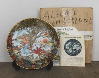 Alice in Wonderland, Lewis Carroll, Alice and the White Rabbit, Roberta Blitzer, First Issue, Limited Edition, 1980, Viletta, Plate